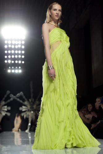9b5c08352da59 È un omaggio a l Italia di Monti l haute couture di Gattinoni ...