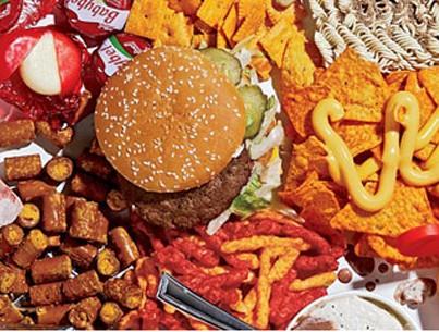 Crisi, 2 italiani su 3 tagliano gli sprechi: -25% di cibo buttato