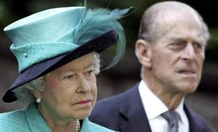 Londra quanto costa la regina 25 milioni di sterline for Quanto costa la corona della regina elisabetta