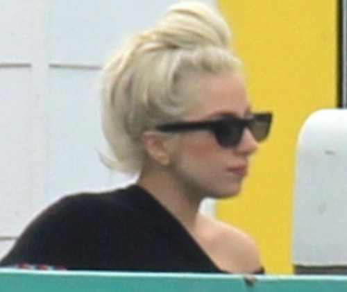 Lady Gaga acqua e sapone 03