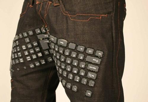 I pantaloni con la tastiera incorporata 02