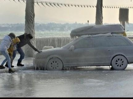 auto ghiacciata