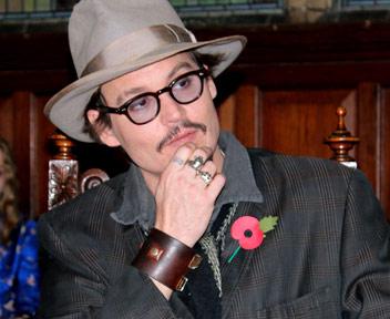Johnny Depp: età, moglie, matrimonio, quel dito... FOTO