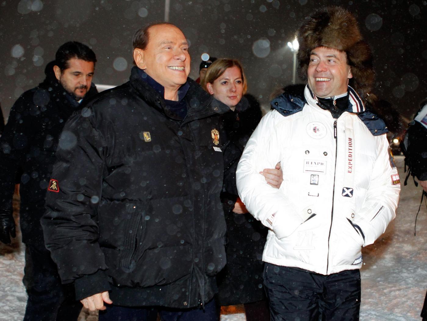 Russia, incontro in montagna tra Berlusconi, Putin e Medvedev010