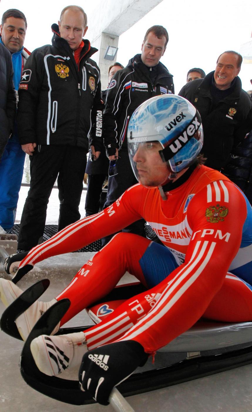 Russia, incontro in montagna tra Berlusconi, Putin e Medvedev012