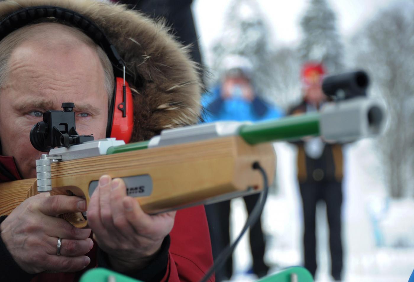Russia, incontro in montagna tra Berlusconi, Putin e Medvedev013