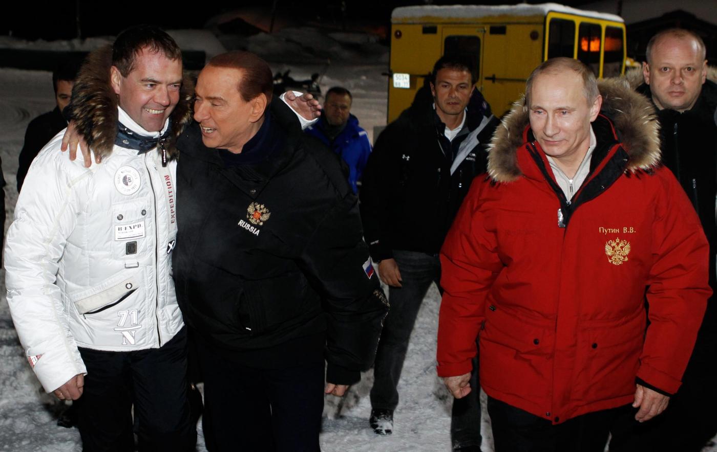 Russia, incontro in montagna tra Berlusconi, Putin e Medvedev015