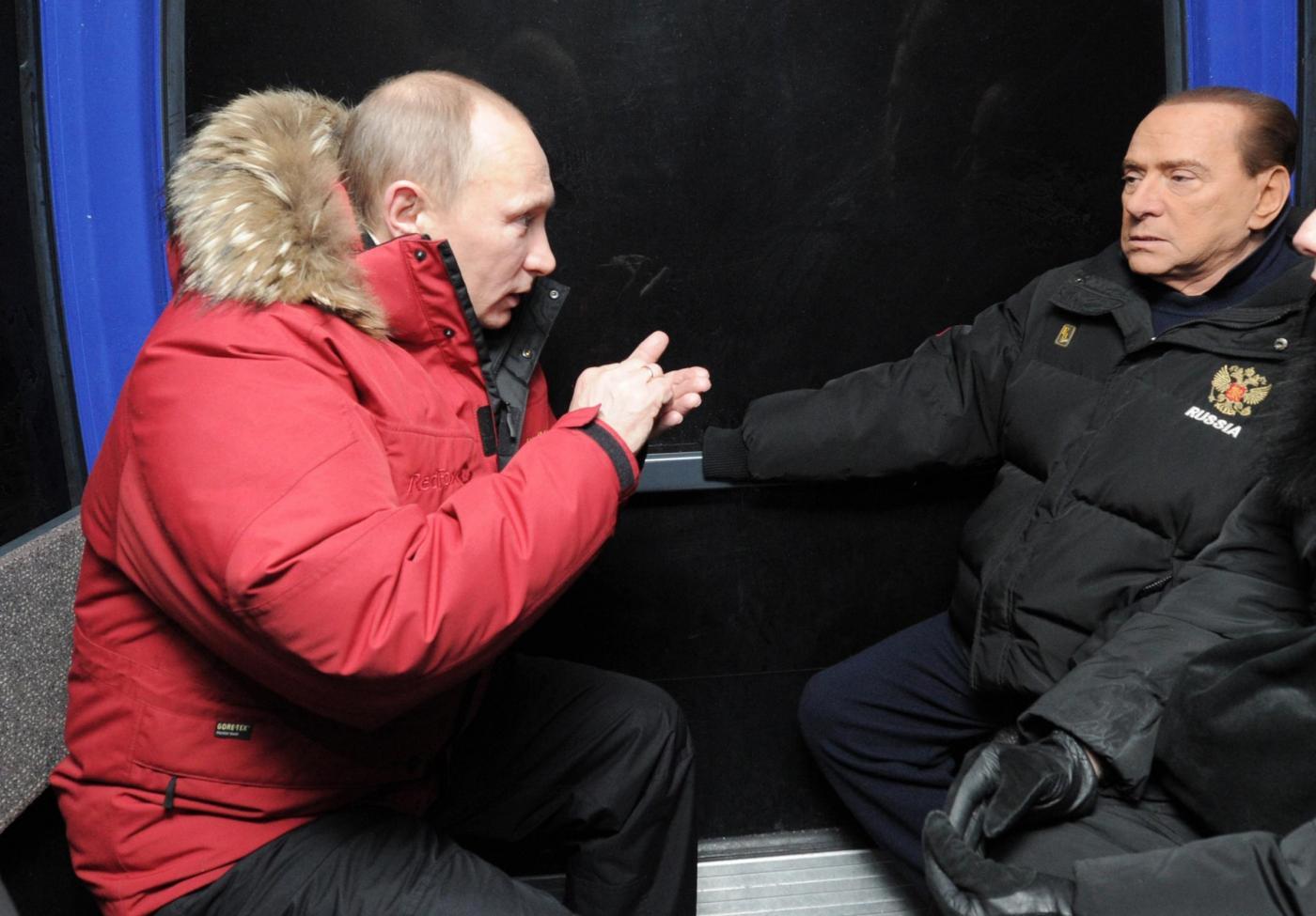 Russia, incontro in montagna tra Berlusconi, Putin e Medvedev017