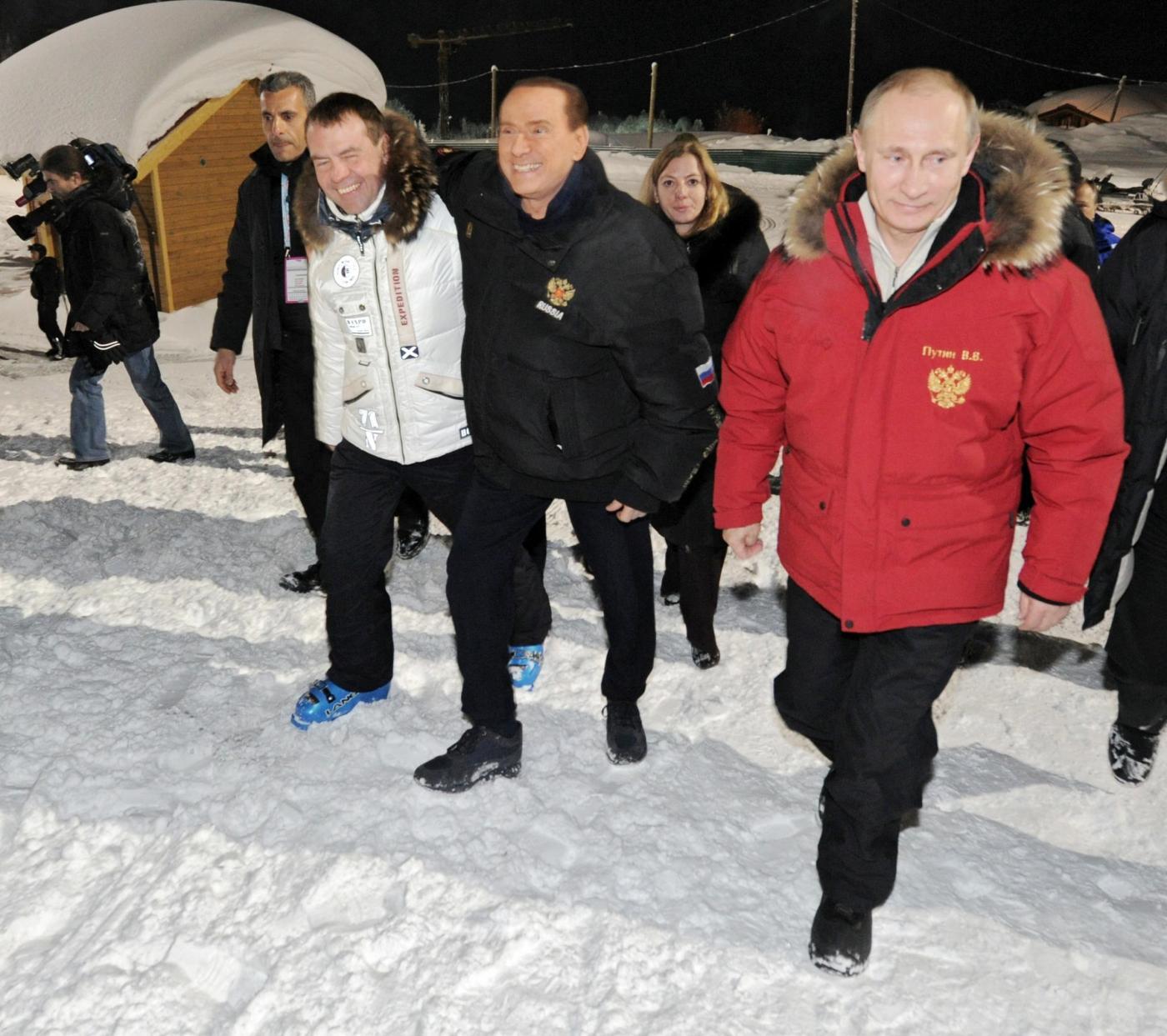 Russia, incontro in montagna tra Berlusconi, Putin e Medvedev08