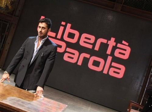 Fabrizio Corona presenta il suo talk-show televisivo 03