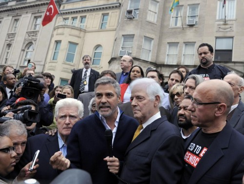 L'arresto di George Clooney 02