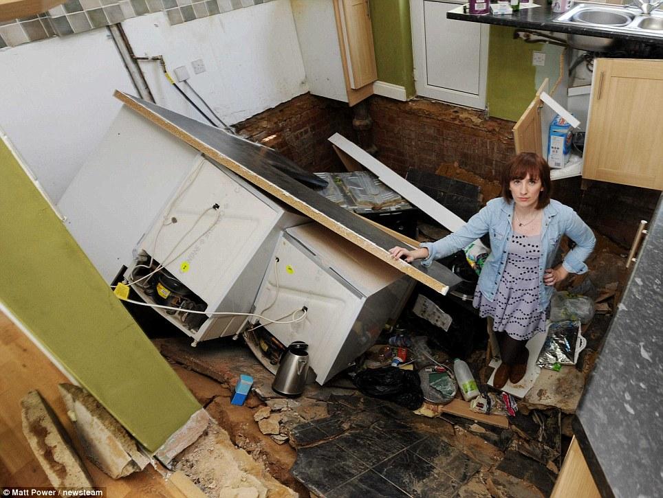 La casa collassa 24 ore dopo la vendita03