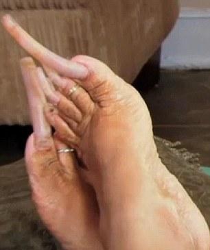 Le unghie lunghe di Ayanna01