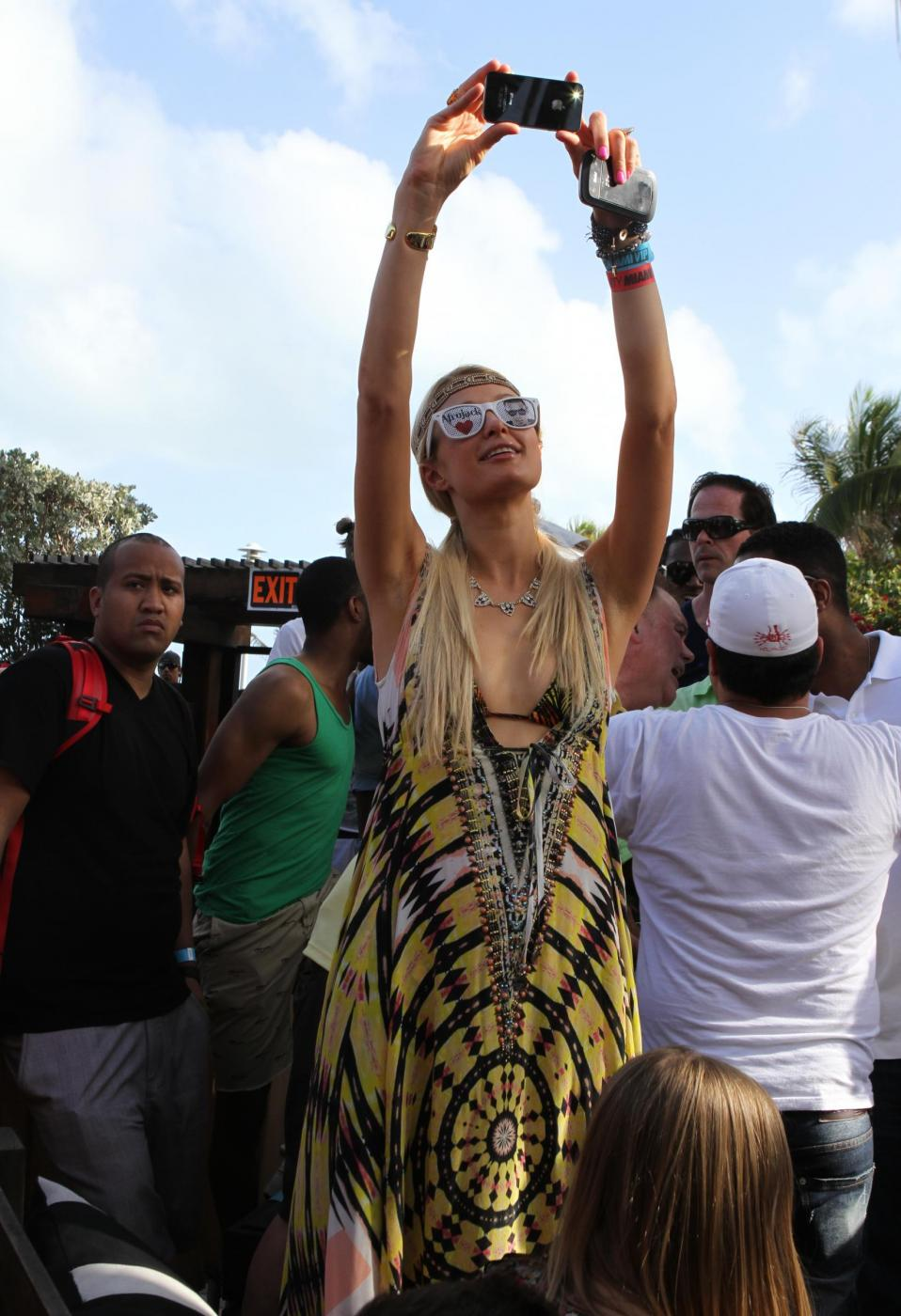 Paris Hilton e il fidanzato, il DJ Afrojack08