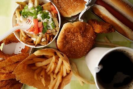 cattiva alimentazione causa tumore