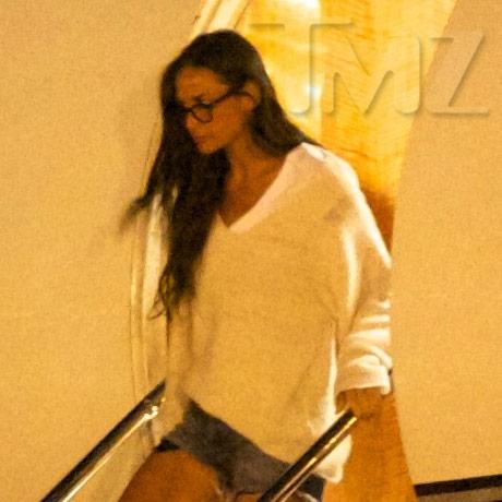 Demi Moore post rehab 03