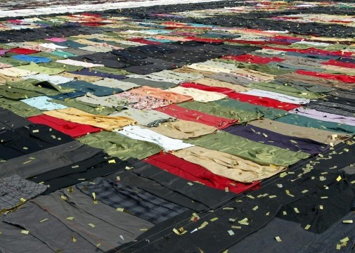 Cina, enorme mosaico di pantaloni05