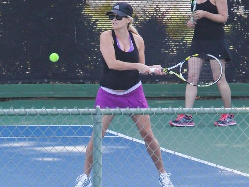 Reese Witherspoon gioca a tennis06