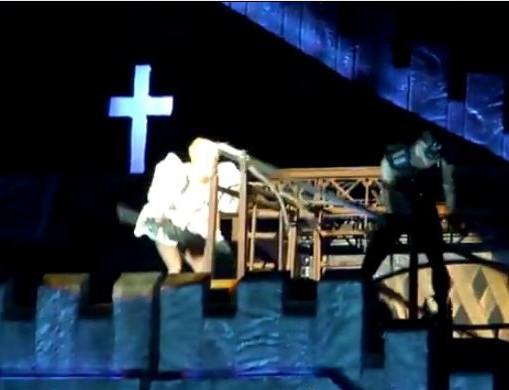 Lady Gaga colpo in testa