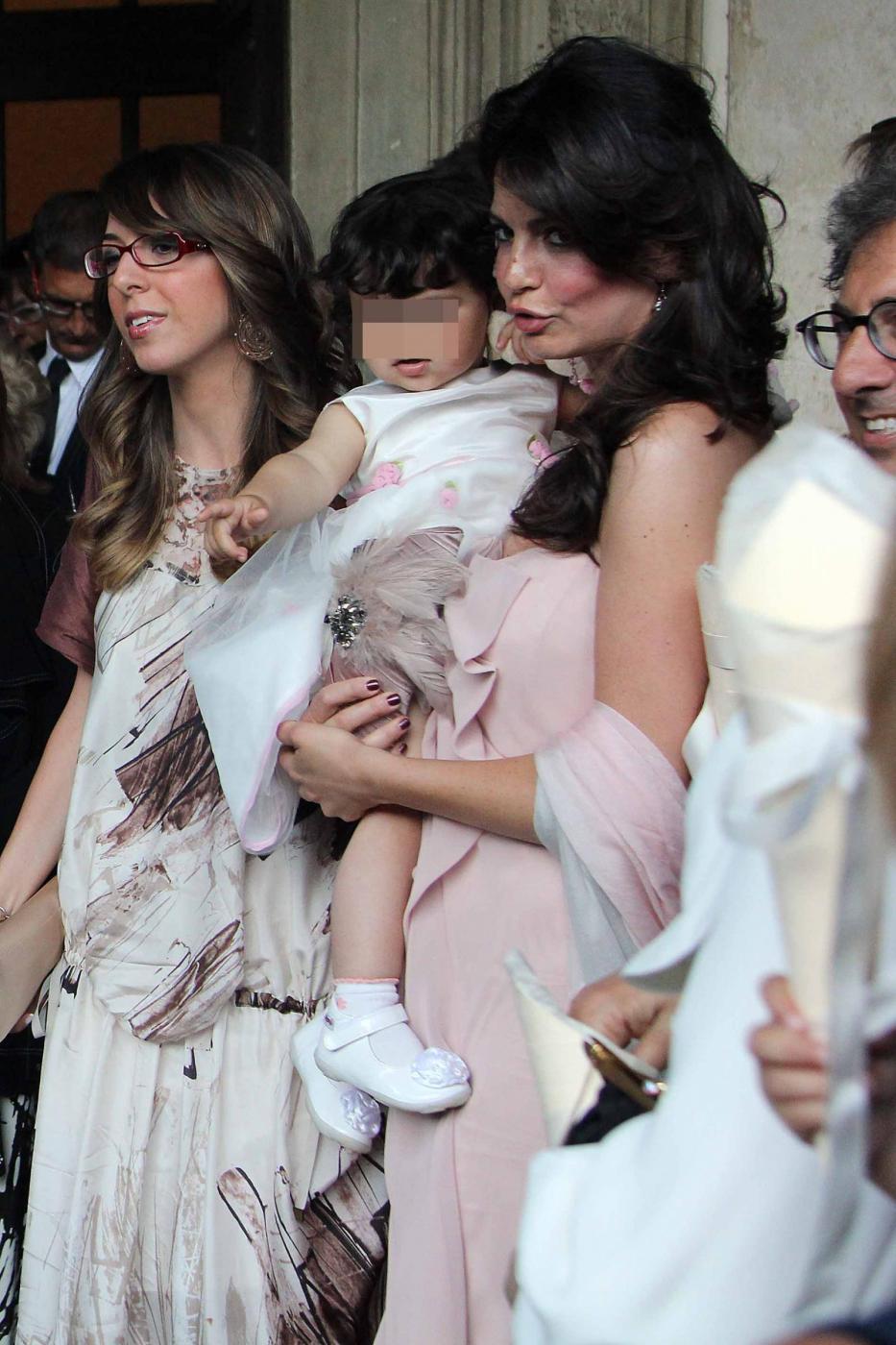 Laura Torrisi e Leonardo Pieraccioni con la loro bambina03