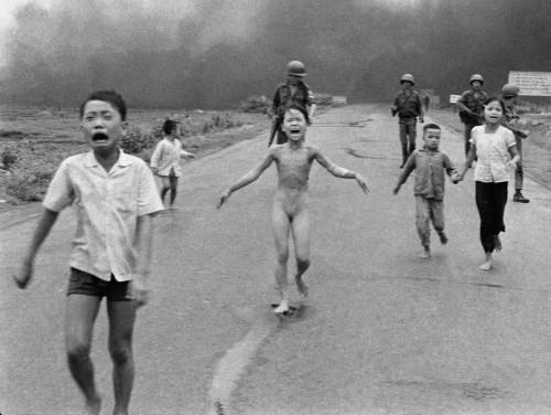40 anni dopo, la foto 'Napalm girl' commuove ancora il mondo03