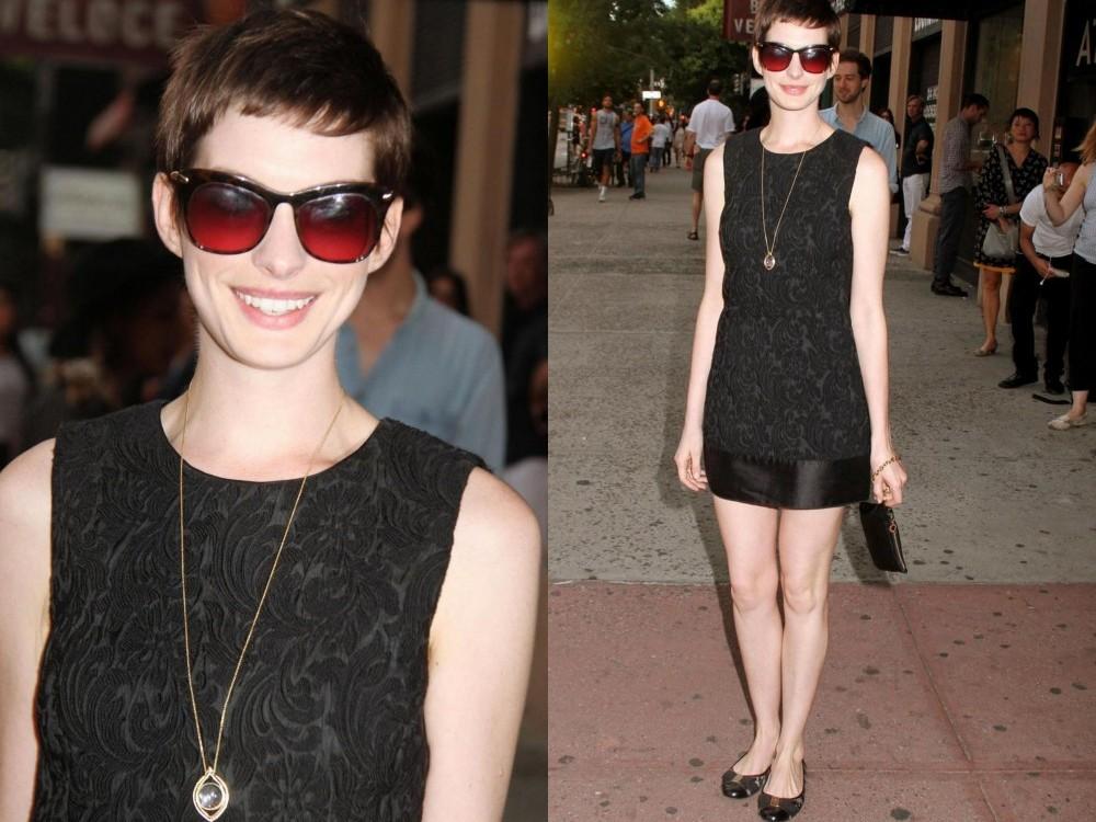 Anne Hathaway in Dolce & Gabbana