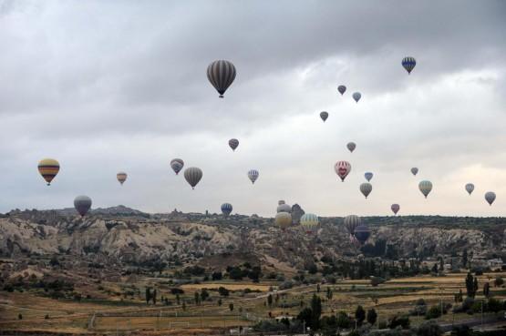 In mongolfiera in volo sulla Cappadocia 03