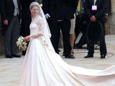 Vestiti Da Sposa Wikipedia.Kate Middleton L Abito Da Sposa Imbarazza Wikipedia Ladyblitz