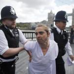 Femen Londra 04