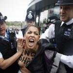 Femen Londra 03