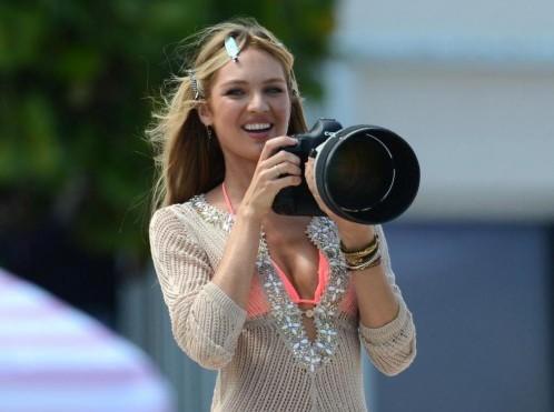 Candice Swanepoel modella di Victoria secret in bikini08