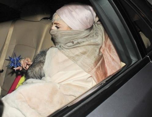 Lady Gaga in stile burka02