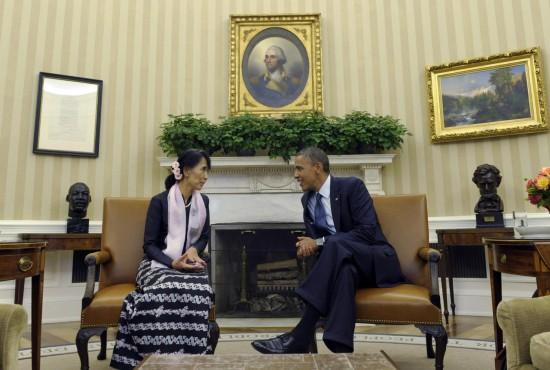 Obama incontra Aung San Suu Kyi alla Casa Bianca02