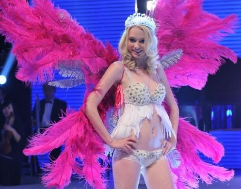 Victoria Secret clonata in Cina06