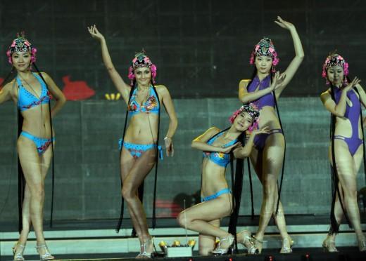 Cina.Miss bikini 2012 02