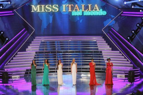 Miss Italia: Raul Bova, Mara Venier, Vincenzo Salemme in giuria