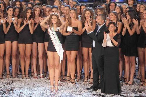 61637ddf006e1 Giusy Buscemi è Miss Italia 2012  bionda