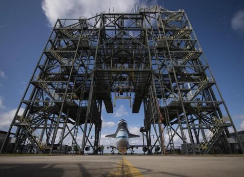 Ultimo viaggio dello shuttle Endeavour verso museo03