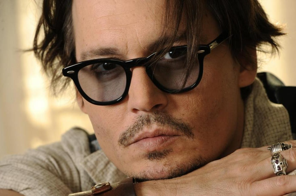 Johnny Depp ossessionato dai buoni sconto, compra tutto su Groupon