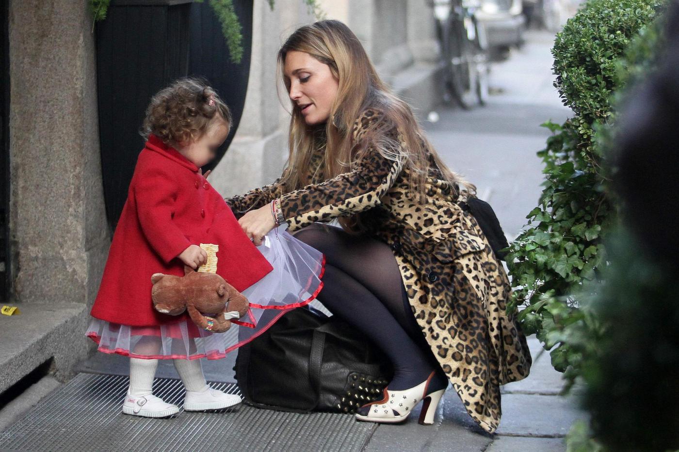 Lucilla Agosti con la figlia Cleo alla festa di Halloween 01