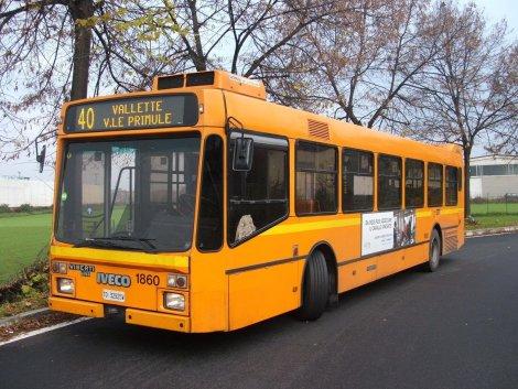 Biglietti bus, tram, metro: rincari in arrivo, fino al 30% in alcune città