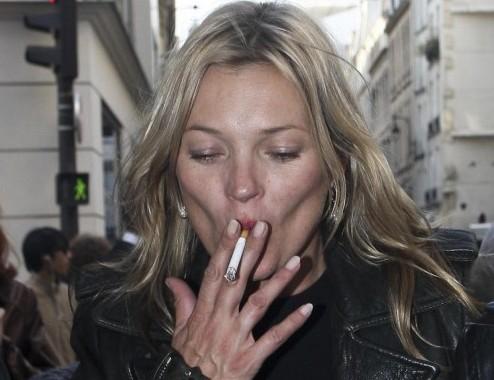 Kate Moss e Stella McCartney a Parigi per la Fashion Week05