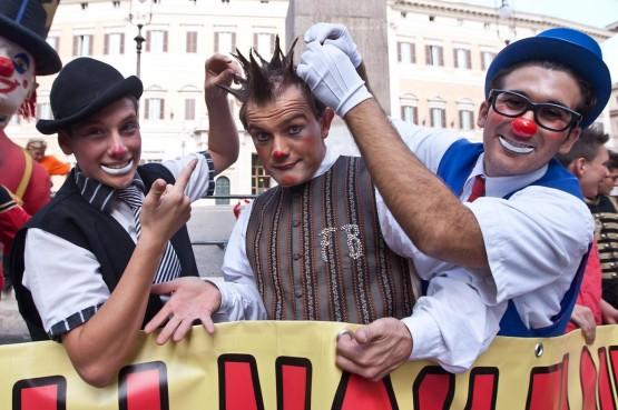 Sit-in di clown e acrobati a p.zza Montecitorio06