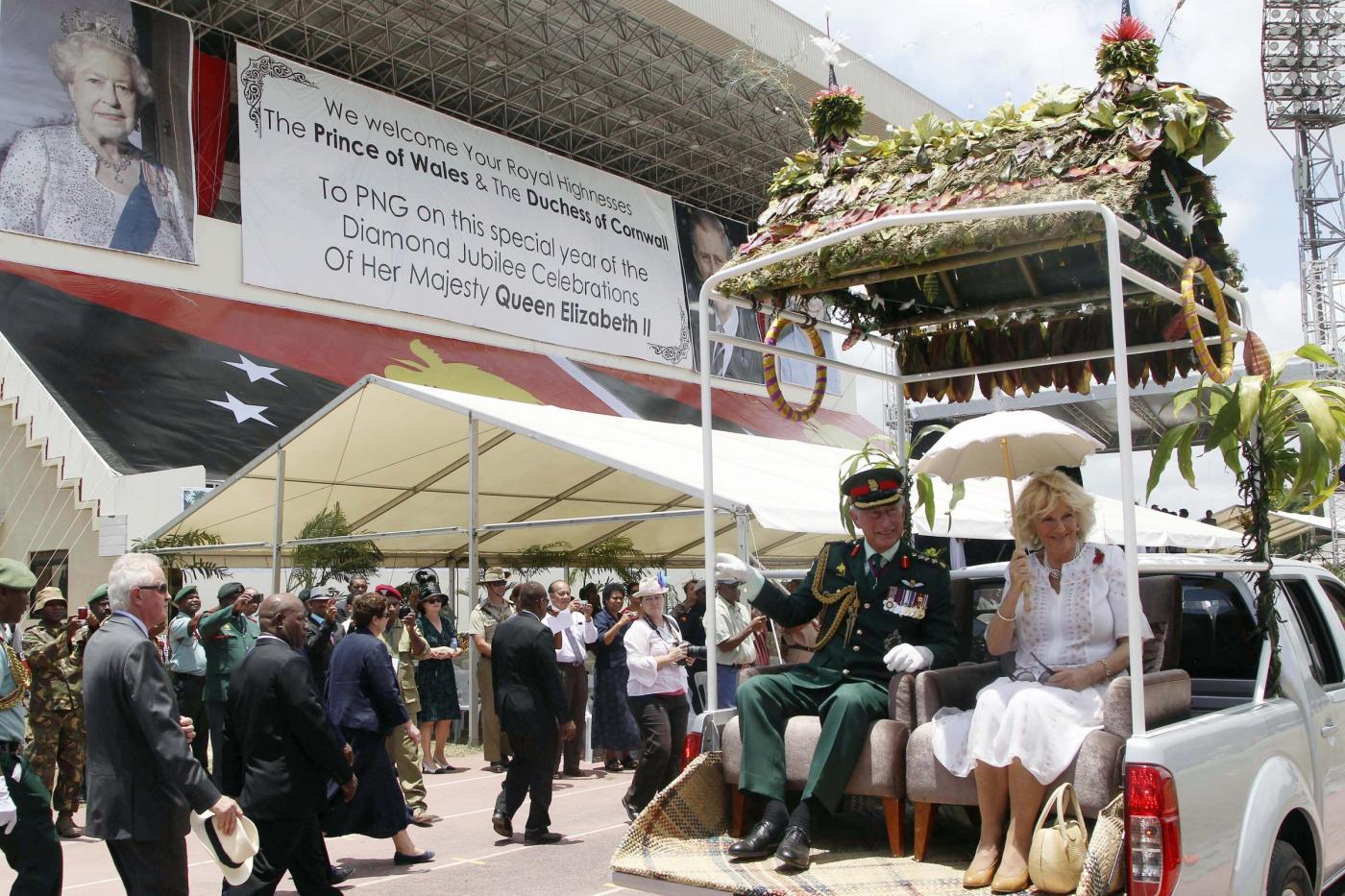 Il Principe Carlo e la consorte Camilla in Papua Nuova Guinea08