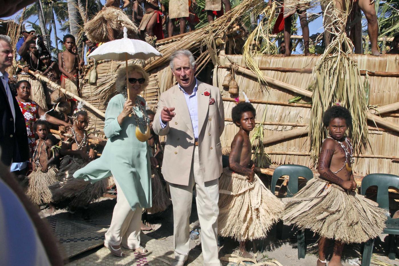 Il Principe Carlo e la consorte Camilla in Papua Nuova Guinea02