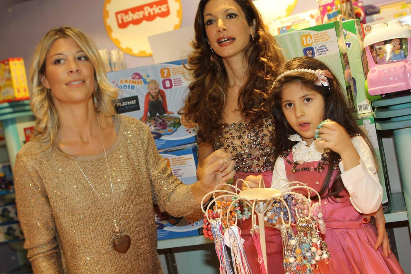 Maria Monsè presenta collezione piccoli gioielli creati dalla sua piccola Perla01