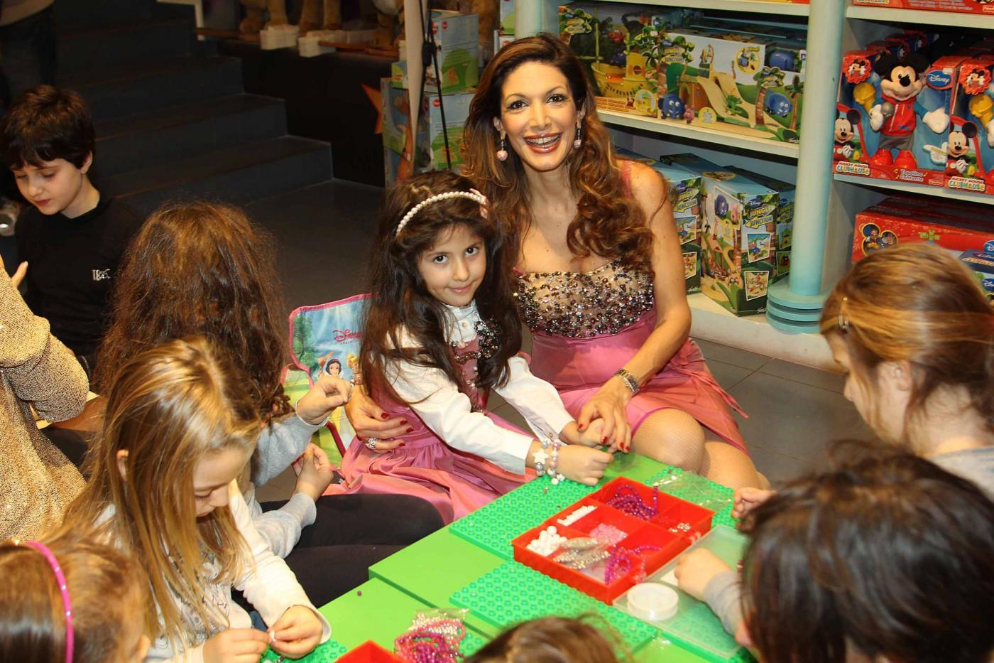Maria Monsè presenta collezione piccoli gioielli creati dalla sua piccola Perla03
