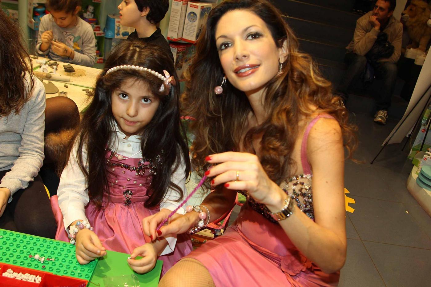 Maria Monsè presenta collezione piccoli gioielli creati dalla sua piccola Perla04