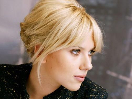 Scarlett Johansson porta in tribunale scrittore francese