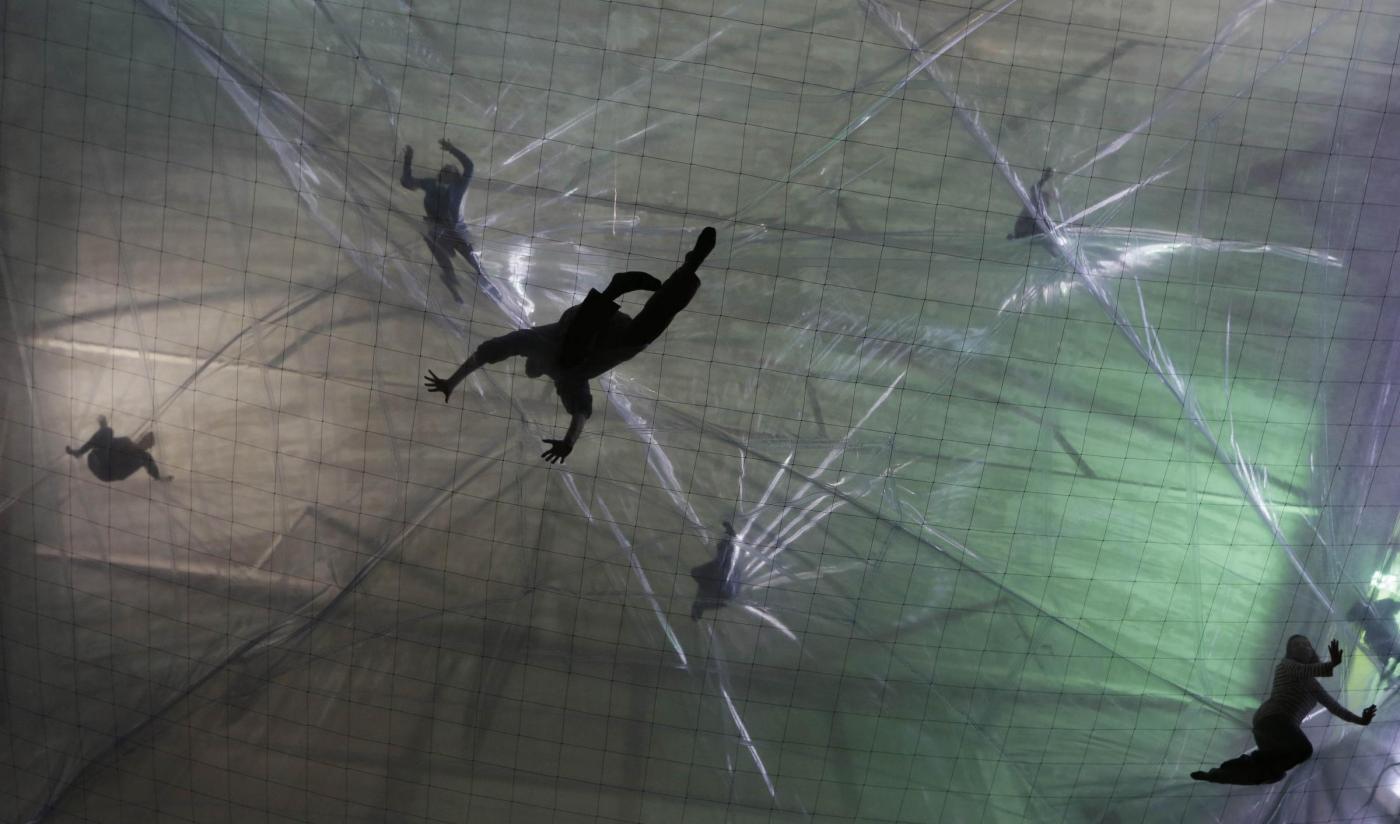 Milano, la bolla dell'artista argentino Tomás Saraceno03